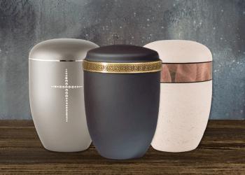 Diverse Urnen aus Holz_ Ton oder Kupfer